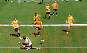 The Australian Socceroos during a training session at Ballymore. AAP Image/Dave Hunt