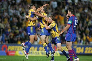 The Eel's celebrate their winning points during NRL's Round 3 Parramatta Eels v Newcastle Knights at Parramatta Stadium, Friday, March 28, 2008. Eel's beat Knights 24-23. AAP Image/Action Photographics/Grant Trouville