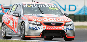 vodafone v8 supercar - Photo by Scott Gick