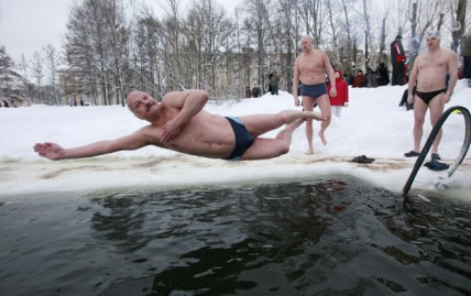 [Image: Russia-Ice-Swimming-428x269.jpg]