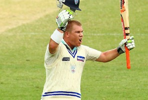 Warner smashes India as Australia dominate with bat and ball