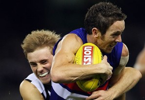 Collingwood vs Western Bulldogs: AFL live scores