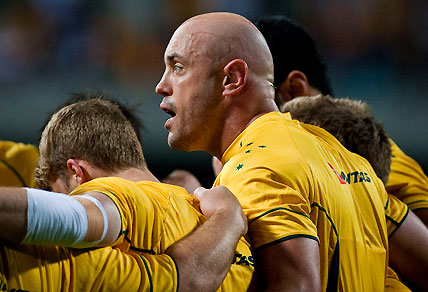 Nathan Sharpe addresses the Wallabies team