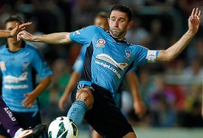 Sydney FC re-sign McFlynn, Necevski and Triantis