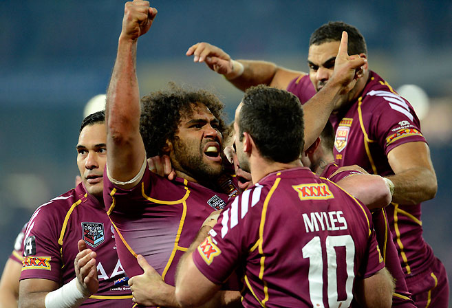 Sam Thaiday with his team mates during the 2013 State Origin