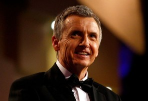 Commentator Bruce McAvaney reveals cancer battle