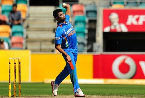 India vs Australia: 1st ODI International cricket live scores