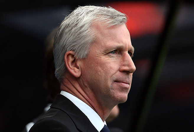 Despite his long-term deal, Newcastle United manager Alan Pardew is under pressure to succeed this season.