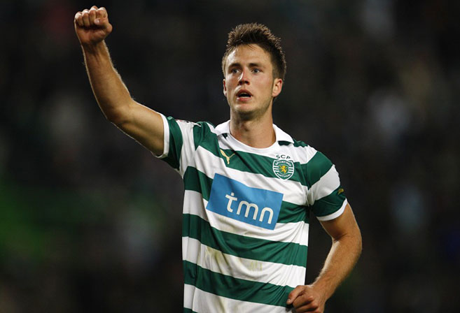 Dutch striker Ricky van Wolfswinkel has been brought in by Norwich City.