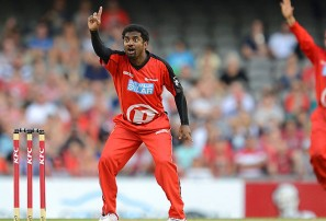 Melbourne Renegades v Sydney Thunder: Big Bash League live scores, blog