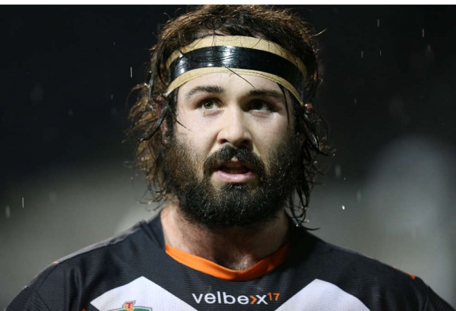 Aaron Woods Net Worth