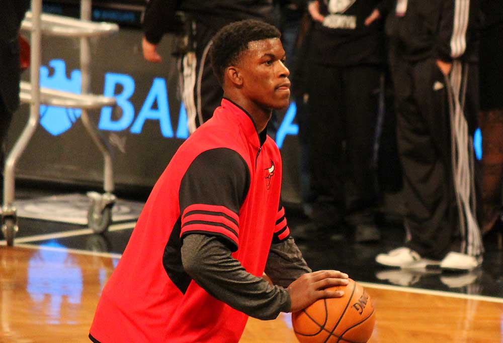 Jimmy Butler warms up for the Chicago Bulls