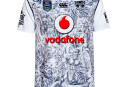 warriors 9s <br /> <a href='http://www.theroar.com.au/2015/12/09/auckland-nines-jerseys-good-bad-meh/'>Auckland Nines jerseys: The good, the bad, and the meh</a>