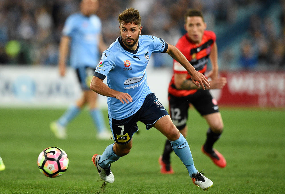 michael-zullo-sydney-fc-a-league-sydney-derby-2016-football