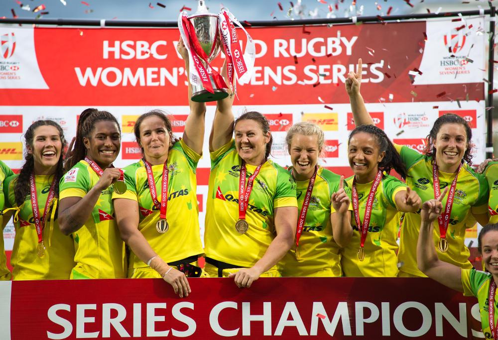 Australians team lift HSBC World Rugby Women's Sevens Series trophy