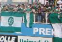 chapecoense-fans <br /> <a href='http://www.theroar.com.au/2016/11/30/football-world-shaken-after-brazilian-side-chapecoense-involved-in-plane-crash/'>Football world shaken after Brazilian side Chapecoense involved in plane crash</a>