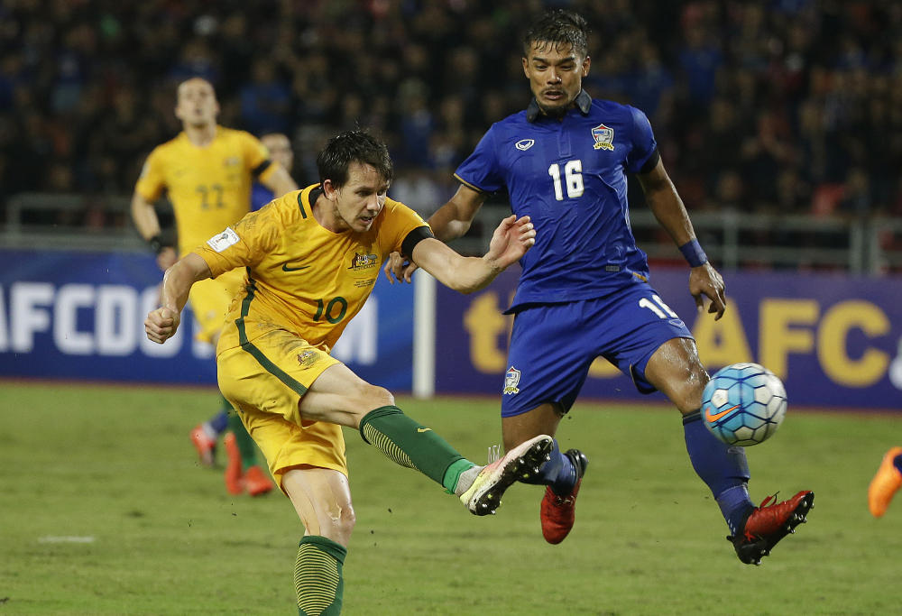 Robbie Kruse shoots for goal for the Socceroos against Thailand