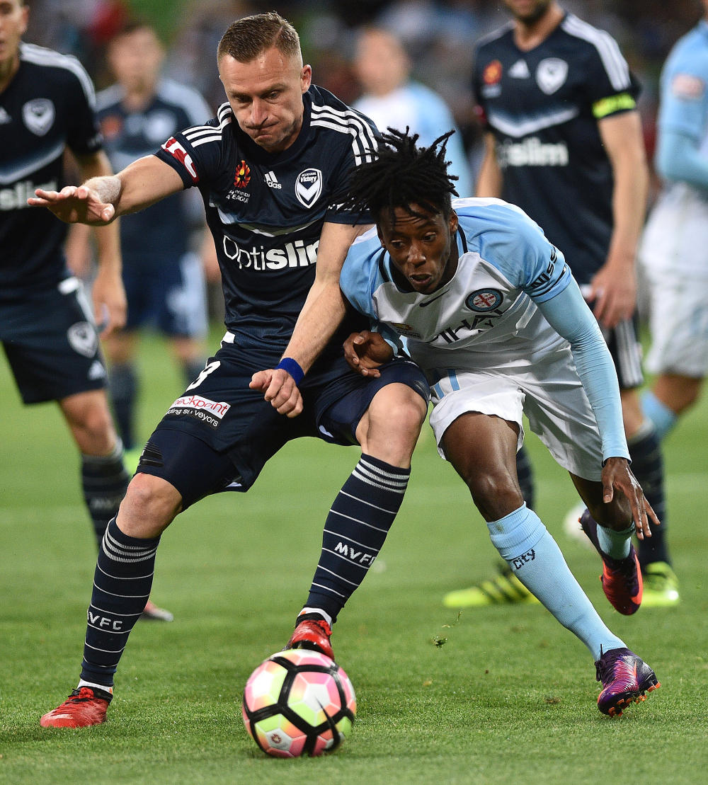 besart-berisha-bruce-kamau-melbourne-derby-victory-city-a-league-football-2016-tall