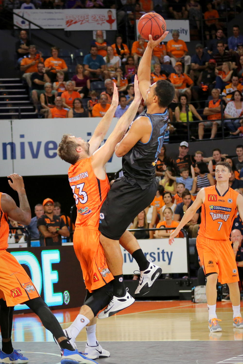 mika-vukona-new-zealand-breakers-nbl-basketball-tall