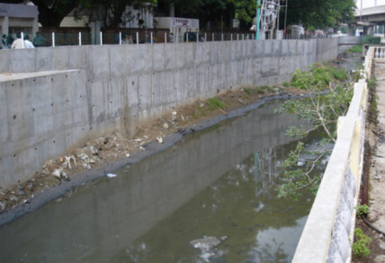 The infamous Buckingham Canal outside the M A Chidambaram Stadium, Chennai 2001.