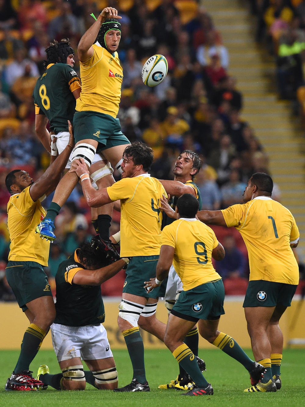 Adam Coleman wins a lineout for the Wallabies