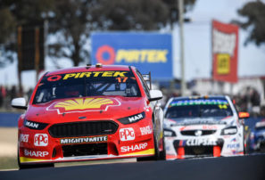 McLaughlin sets Bathurst lap record
