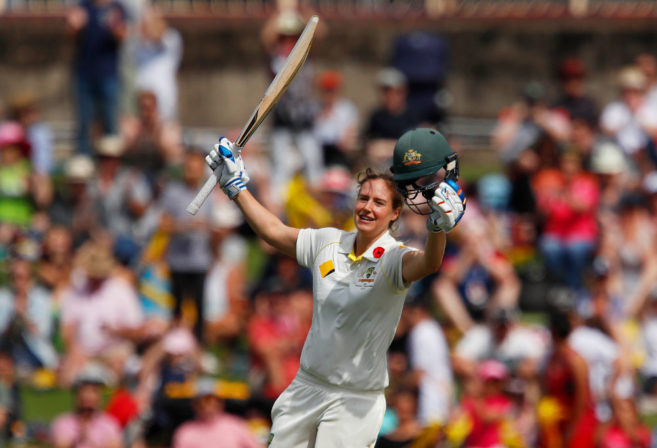 Ellyse Perry batting