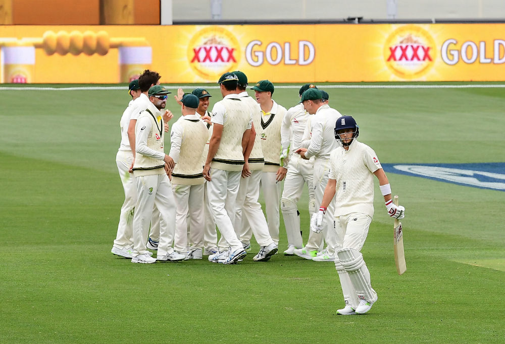 Joe Root dismissed during second Ashes Test